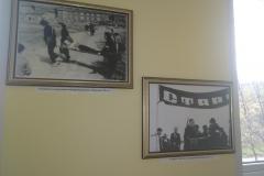 Фрагмет фотовыставки в коридорах УМЦ
