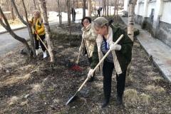 Ия Курляндская, Наталья Николаева и Эльвира Сусленкова на субботнике